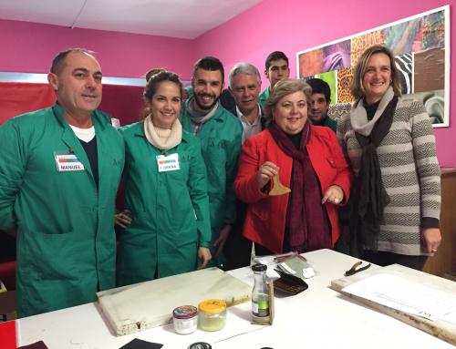PSOE se compromete a seguir apoyando la Escuela de Artesanos de la Piel impulsando la Denominación Protegida y la creación de un Plan Estratégico para el sector